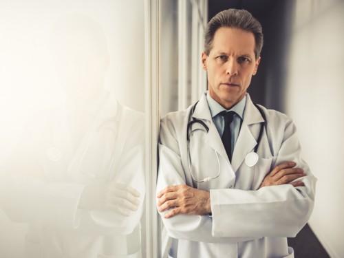 Sou médico e fui difamado por um paciente, como lidar com a situação?